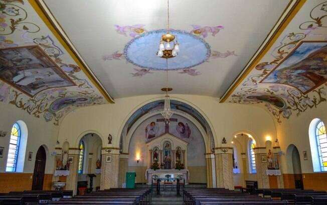 O que fazer em Águas de Lindóia: a simpática Igreja Nossa Senhora das Graças é o marco zero da cidade