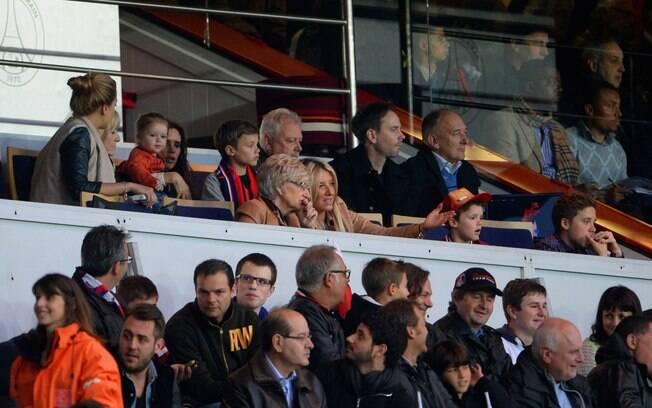 Família de Beckham acompanhou a despedida do  inglês no estádio em Paris