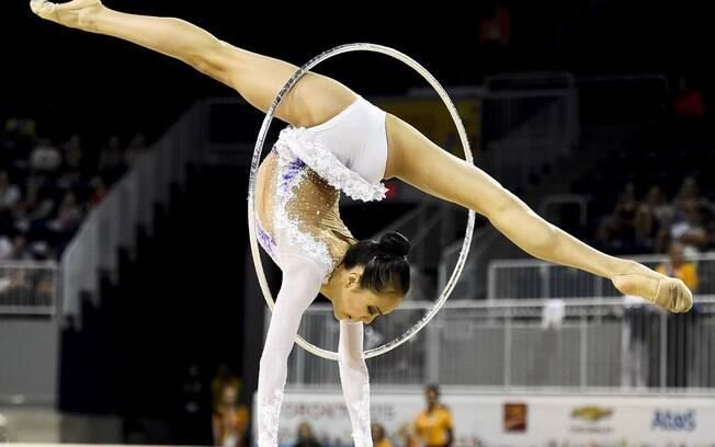 Laura Zeng, dos Estados Unidos, segunda no individual geral, fase de classificação. Foto: AP
