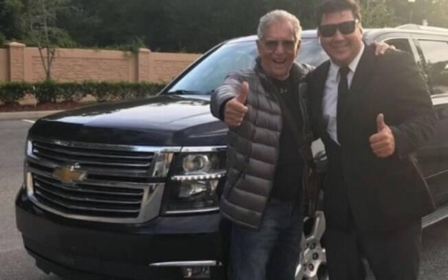 Carlos Alberto de Nóbrega compartilhou situação nas redes sociais e agradeceu outro brasileiro pela ajuda