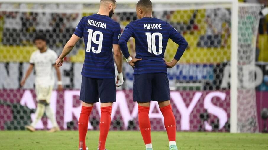 Mbappé e Benzema se encaixaram no ataque da França