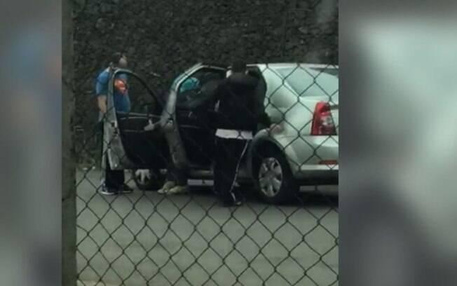 Vídeo mostra roubo de carro no Parque Via Norte em Campinas