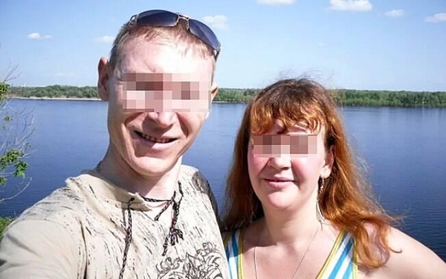 O casal foi condenado a 20 anos de prisão e foram afastados de seus direitos parentais, não podendo mais criar os filhos