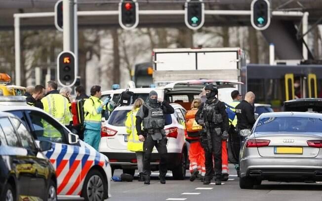 Testemunhas do ataque a tiros na Holanda afirmaram que uma pessoa foi a autora dos disparos e fugiu do local