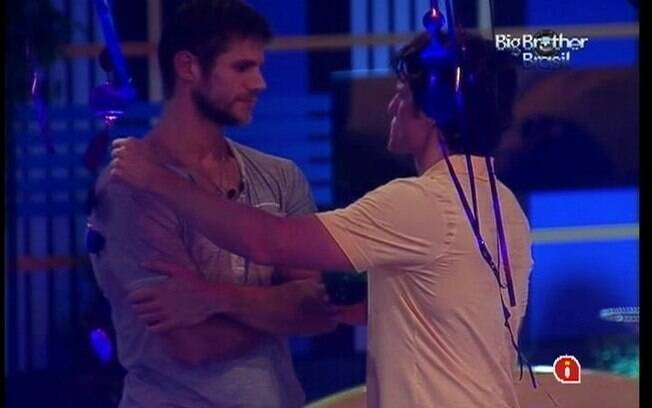 João Maurício analisa a situação de Bah em conversa com Jonas