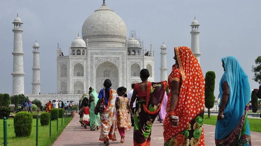 Índia ultrapassa marca de 250 mil mortes pela pandemia de Covid-19