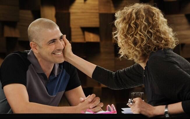 Reynaldo Gianecchini recebe o carinho de Marília Gabriela