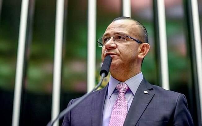 Carlos Gomes defende que hoje os limites de som em templos religiosos são muito baixos