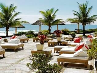 Gazebo. Espaço anexo ao spa é ideal para tomar sol e relaxar com bela vista