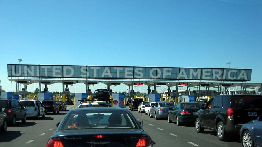 Em março, 171 mil imigrantes foram detidos na fronteira entre EUA e México