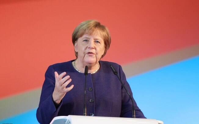 Angela Merkel espera que acordo entre UE e Mercosul avance e diz que Bolsonaro deve dificultar tratativas