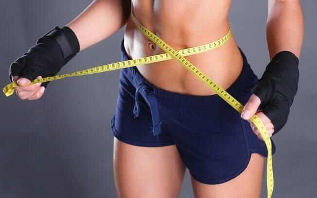 É melhor tomar um café da manhã ou seguir em jejum para a academia para queimar gordura?