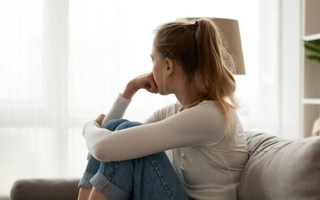 No Twiter, mulheres relatam suas experiências em relacionamento abusivo e mostram que isso ocorre de várias maneiras