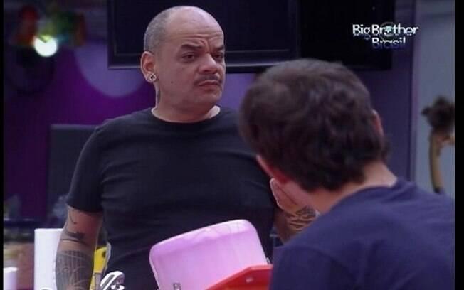 João Carvalho é o mais preocupado com a compra da comida
