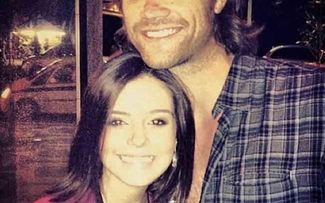 Giovanna Lancelotti aproveitou a passagem do ator de Supernatural Jared  Padelecki para fazer sua fotinho