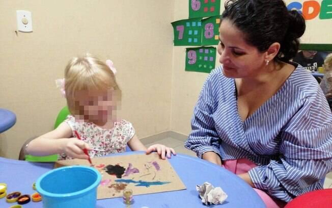 Ana Maria Monteiro afirma que não voltou para a Holanda porque filha ficou doente