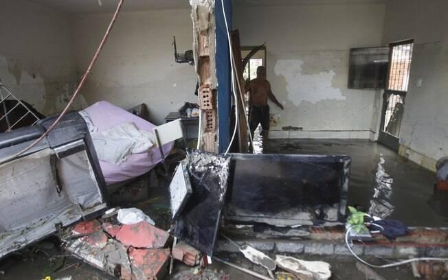 Temporal deixou cerca de 2 mil pessoas desabrigadas e causou a interdição de 51 imóveis; recuperação deve demorar