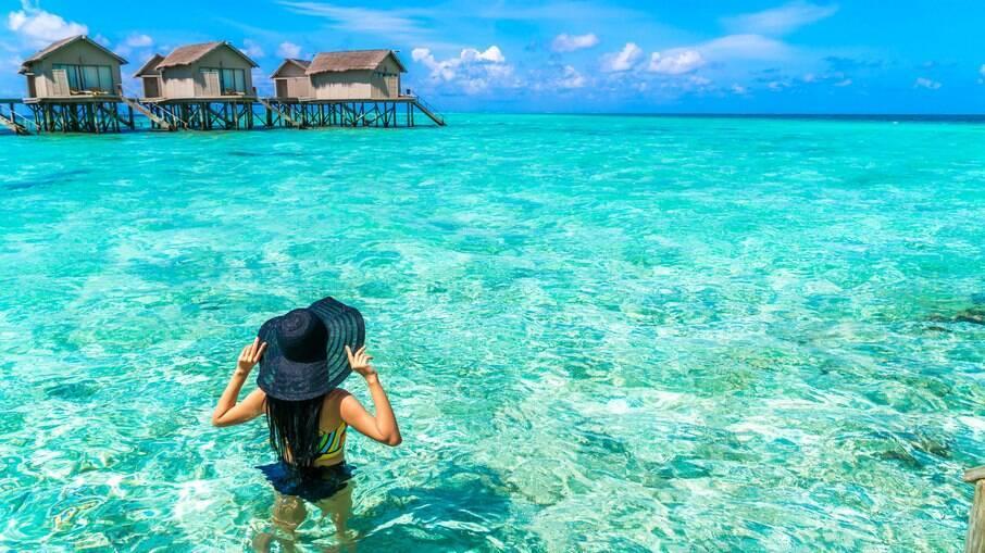 Veja como preparar o bolso para viajar para as Ilhas Maldivas