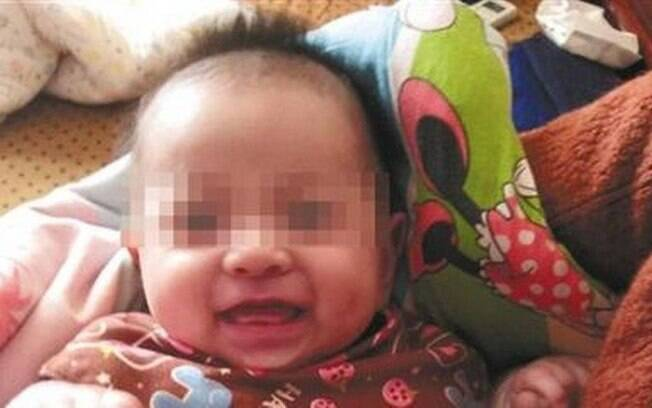 Após batalhas judiciais, avós maternos e paternos conquistaram a custódia dos embriões; bebê Tiantian nasceu em março
