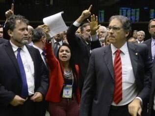 Deputados durante sessão da Câmara que aprovou doações empresariais para partidos