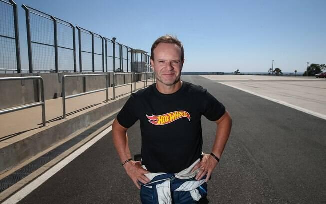 Rubens Barrichello descobriu um tumor benigno em seu pescoço no início do ano