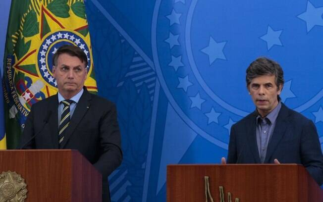 Presidente Jair Bolsonaro e novo ministro da Saúde Nelson Teich