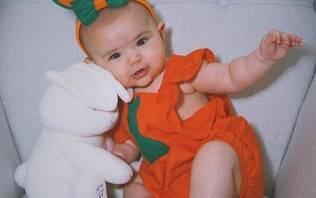 Alerta de fofura! Zoe Sato surge vestida de coelhinha da páscoa no Instagram