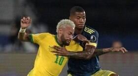 Brasil vence Colômbia de virada e segue 100%