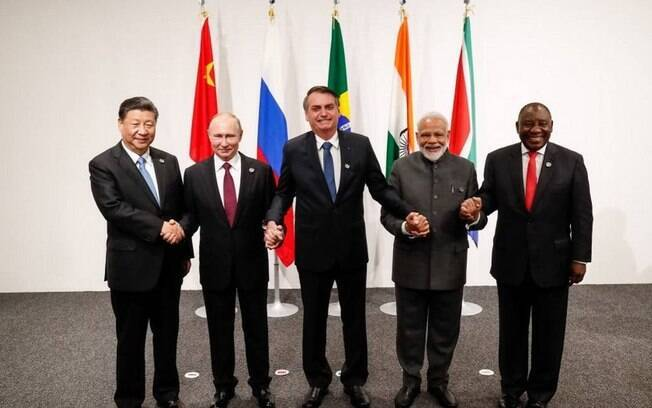 Reunião terá presença dos presidentes da Rússia, Índia, China e África do Sul, além de Jair Bolsonaro