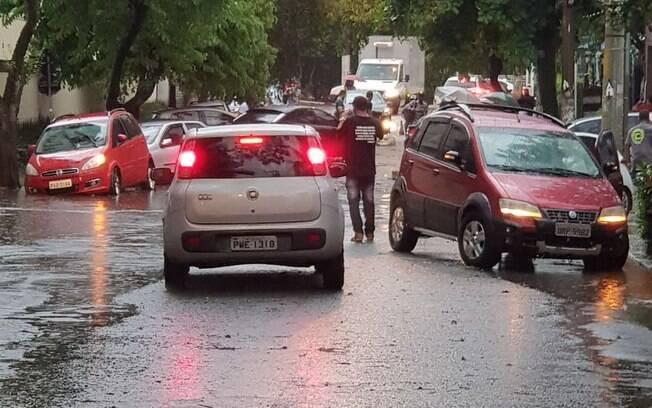 Chuva no final do dia desta sexta pode causar alagamentos na Grande São Paulo