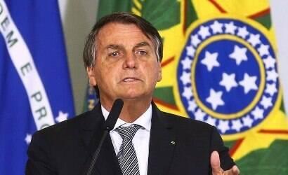 """Bolsonaro faz alusão a Lula: """"Só na fraude o nove dedos volta"""""""