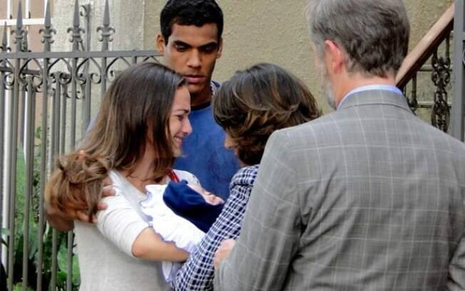 Babi e Maicon, Iara e Milton: a mãe terá que entregar o bebê ao pai e à madrasta