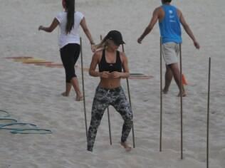 Carolina Dieckmann showed off her six-pack during an afternoon workout