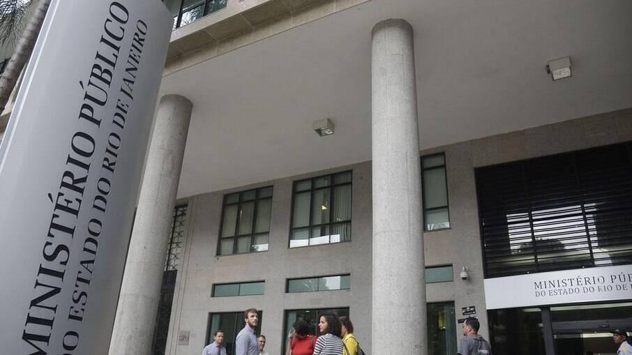 Empresa investigada ganha contrato de 'carona' em Belford Roxo