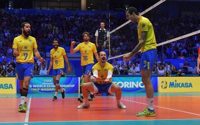 Brasil vence Rússia de virada por 3 a 2