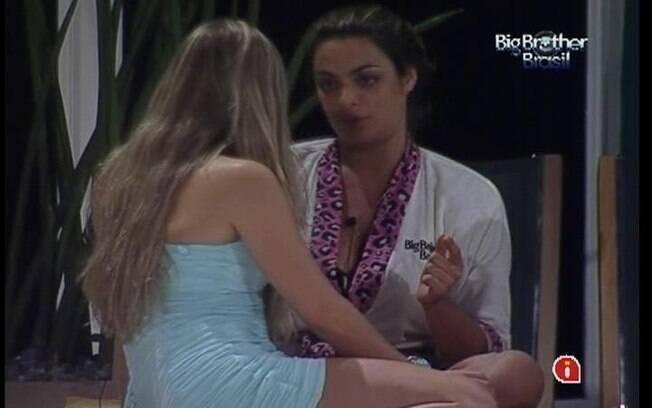Monique afirma não acreditar na sinceridade de Renata