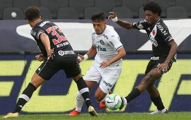 Palmeiras e Vasco se enfrentam nesta terça-feira