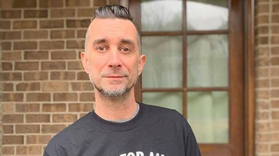 Baterista do Offspring é demitido por se recusar a tomar vacina contra Covid-19