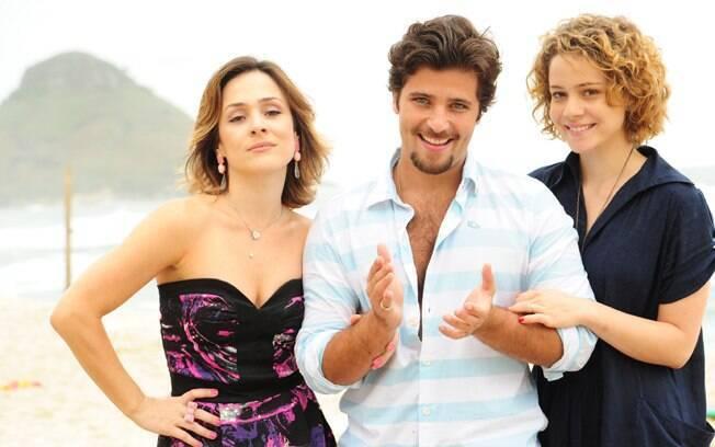 Berilo (Bruno Gagliasso) e suas duas mulheres em