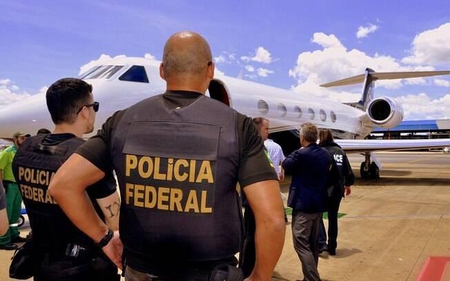 Polícia Federal realiza operação contra tráfico internacional de armas