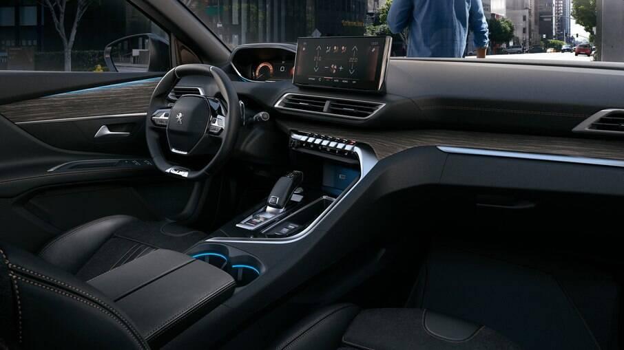 Peugeot 3008 vem com interior arrojado e passa a ter uma nova tela da central multimídia e acabamento ainda mais caprichado