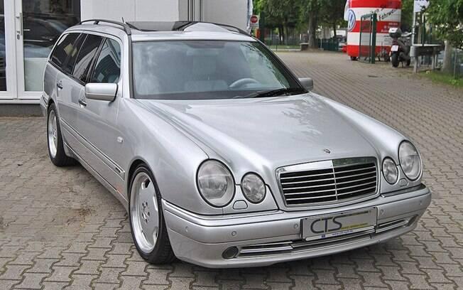 O belo Mercedes-Benz E55 AMG que foi do heptacampeão de Fórmula 1, Michael Schumacher