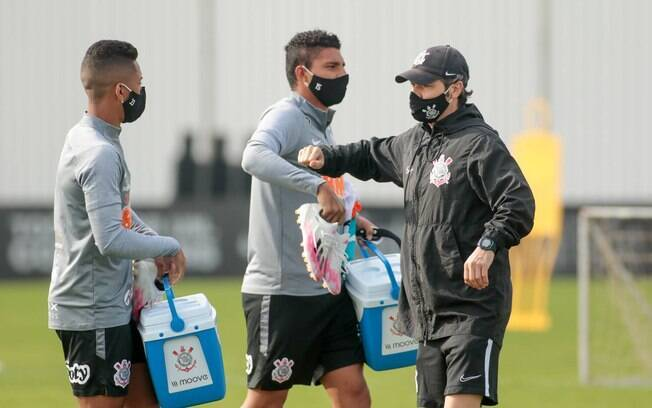 Corinthians faz mais um treino