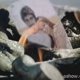 Helena queima fotos e lembranças de Laerte