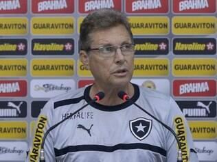 Voltando ao banco de reservas, Oswaldo de Oliveira viu o Botafogo vencer o Flamengo por 2x1
