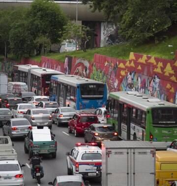 Rodízio Municipal de Veículos volta a valer segunda-feira em São Paulo
