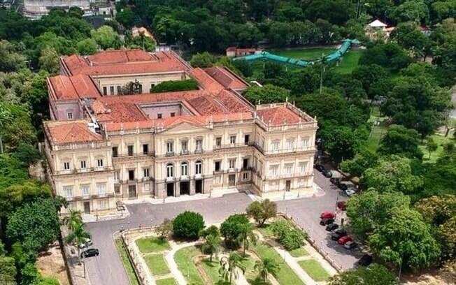 Acervo do Museu Nacional  do Rio de Janeiro será exposto por iniciativas online realizadas por editores da Wikipédia