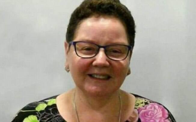 Lesley Rolton, de 64 anos, faleceu após comer sementes de romã congeladas e contrair hepatite A em Adelaide, Austrália