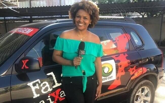 A repórter Julie Alves, de 44 anos, fazia uma reportagem para o programa