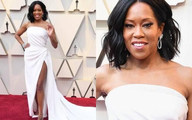 Looks das famosas: Regina King, vencedora como 'Atriz Coadjuvante' passou no tapete vermelho com um vestido branco